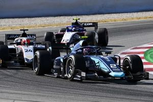 Dan Ticktum, Dams, leads Nikita Mazepin, HITECH GRAND PRIX, and Pedro Piquet, CHAROUZ RACING SYSTEM