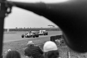 Andrea de Adamich, March 711 Alfa Romeo, Henri Pescarolo, March 711 Ford