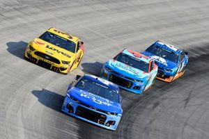 Ricky Stenhouse Jr., JTG Daugherty Racing, Chevrolet Camaro Kroger/Cottonelle, Michael McDowell, Front Row Motorsports, Ford Mustang Love's Travel Stops