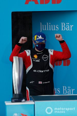 Oliver Rowland, Nissan e.Dams, Nissan IMO2, 1st position celebrates on the podium