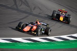 Felipe Drugovich, MP Motorsport, leads Jehan Daruvala, Carlin