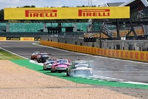 Dylan Pereira, BWT Lechner Racing leads a smoking Marvin Klein, martinet by Almeras