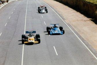 Peter Gethin, McLaren M14A, Chris Amon, Matra MS120