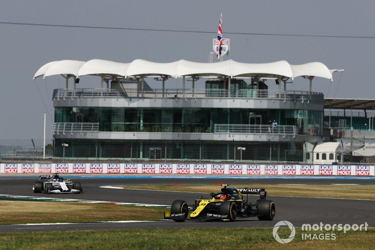 Esteban Ocon, Renault F1 Team R.S.20, Daniil Kvyat, AlphaTauri AT01