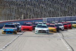 Kyle Busch, Joe Gibbs Racing, Toyota, Austin Cindric, Team Penske, Ford Mustang