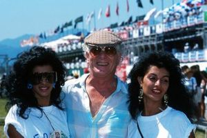 Ronnie Biggs, the legendary train robber, with Brazilian ladies