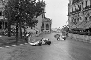 Wilson Fittipaldi, Brabham BT33, Rolf Stommelen, Eifelland 21, Emerson Fittipaldi, Lotus 72D