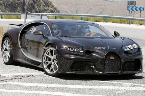 Strange Bugatti Chiron Spied With Curious Styling Cues