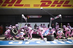 Lance Stroll, Racing Point RP20, fa un pit stop