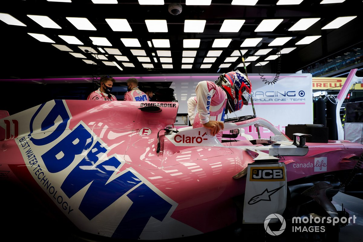 Sergio Perez, Racing Point, entra nella monoposto