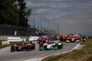 Patricio O'Ward, Arrow McLaren SP Chevrolet, Colton Herta, Andretti Harding Steinbrenner Autosport Honda, start, Ryan Hunter-Reay, Andretti Autosport Honda, crash