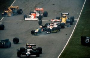 Crash of Claudio Langes, GA Motorsport Lola T88/50 and Aguri Suzuki, Footwork Lola T88/50, Johnny Herbert, EJR Reynard 88D