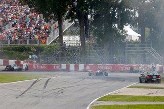 Kimi Raikkonen, Ferrari F14T, Sergio Perez, Force India VJM07 Mercedes, et Felipe Massa, Williams FW36 Mercedes