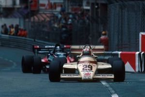 Marc Surer, Arrows A6, collided with Derek Warwick, Toleman TG183B, on lap 49