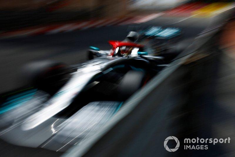 1. Льюис Хэмилтон (Mercedes) – 1:10,166