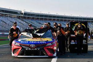 Martin Truex Jr., Joe Gibbs Racing, Toyota Camry Bass Pro Shops / TRACKER ATVs & Boats / USO