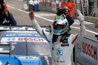 Il vincitore della gara Philipp Eng, BMW Team RBM