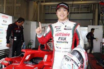 Yuji Kunimoto tras la pole position