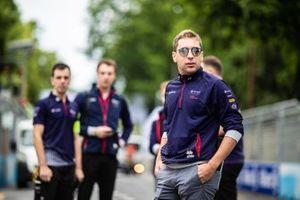 Robin Frijns, Envision Virgin Racing, cammina sulla pista