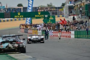 Winnaar #8 Toyota Gazoo Racing Toyota TS050: Sébastien Buemi, Kazuki Nakajima, Fernando Alonso