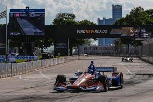 1. Scott Dixon, Chip Ganassi Racing Honda, 2. Marcus Ericsson, Arrow Schmidt Peterson Motorsports Honda