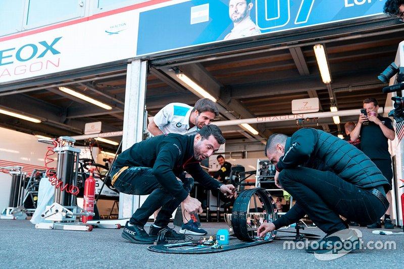 Sébastien Buemi, Nissan e.Dams, Jose Maria Lopez, Dragon Racing, Antonio Felix da Costa, BMW I Andretti Motorsports giocano a Mario kart
