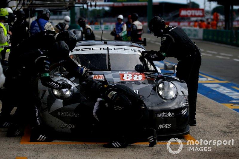 #88 Dempsey Proton Competition Porsche 911 RSR: Matteo Cairoli, Giorgio Roda, Satoshi Hoshino
