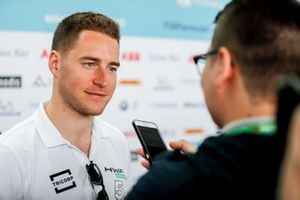 Stoffel Vandoorne, HWA Racelab, parla alla stampa