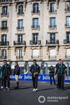 Mitch Evans, Panasonic Jaguar Racing, Ho-Pin Tung, Panasonic Jaguar Racing, on a track walk with the team