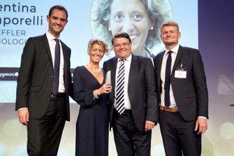 "Valentina Temporelli, Customer Relationship Marketing Director Global Key Account Automotive di Schaeffler, premiata fra le fra le ""Rising Stars"" del periodico ""Automotive News Europe"" in Svezia"