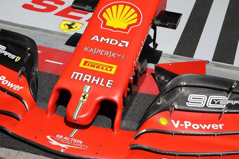 Asa dianteira da Ferrari