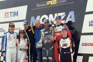 Festeggiamenti sul podio al Monza Rally Show
