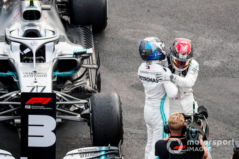 Valtteri Bottas, Mercedes AMG F1 and Race winner Lewis Hamilton, Mercedes AMG F1 celebrate in Parc Ferme