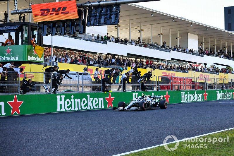Боттас принес Mercedes 99-ю победу в 206 Гран При