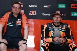 Brad Binder, Red Bull KTM Factory Racing, mit Sergio Verbena