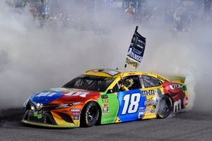 Race winner and Champion Kyle Busch, Joe Gibbs Racing, Toyota Camry M&M'