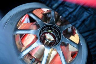 Wheel of the Ferrari SF1000