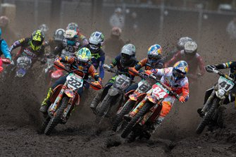 Jeffrey Herlings, Red Bull KTM Factory Racing en la salida supera a Tony Cairoli, Red Bull KTM Factory Racing