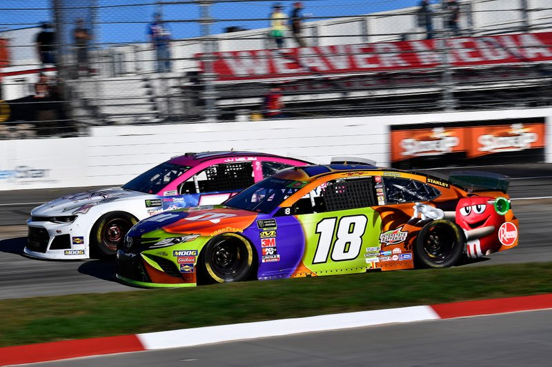 Kyle Busch, Joe Gibbs Racing, Toyota Camry M&M's Halloween