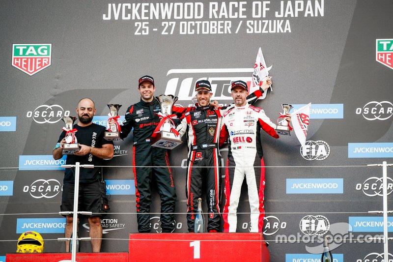 Podium: le vainqueur Esteban Guerrieri, ALL-INKL.COM Münnich Motorsport Honda Civic Type R TCR, le deuxième Niels Langeveld, Comtoyou Team Audi Sport Audi RS 3 LMS, le troisième Tiago Monteiro, KCMG Honda Civic Type R TCR