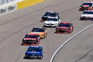 Крис Бушер, Roush Fenway Racing, Ford Mustang и Тайлер Реддик, Richard Childress Racing, Chevrolet
