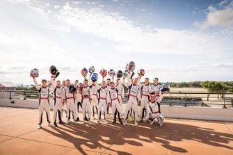 2019 Porsche Carrera Cup Fransa pilotları sezon sonu grup fotoğrafı