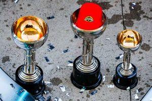 Трофеи Mercedes AMG F1
