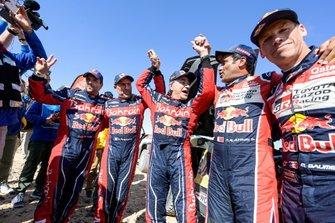 #302 JCW X-Raid Team: Stephane Peterhansel, Paulo Fiuza, #305 JCW X-Raid Team: Carlos Sainz, #300 Toyota Gazoo Racing: Nasser Al-Attiyah, Matthieu Baumel