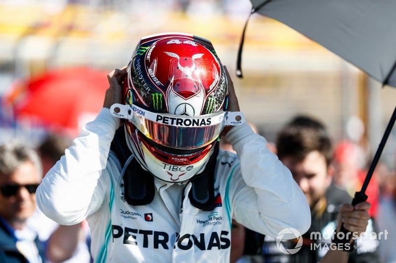 Lewis Hamilton, Mercedes AMG F1, in griglia di partenza