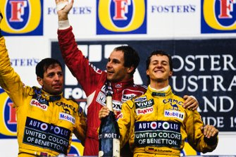 Martin Brundle, Benetton, Gerhard Berger, McLaren, Michael Schumacher, Benetton