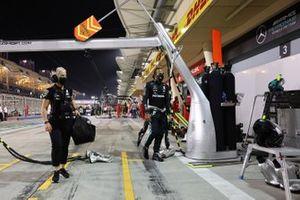 Lewis Hamilton, Mercedes-AMG F1, et Angela Cullen, Physio de Lewis Hamilton