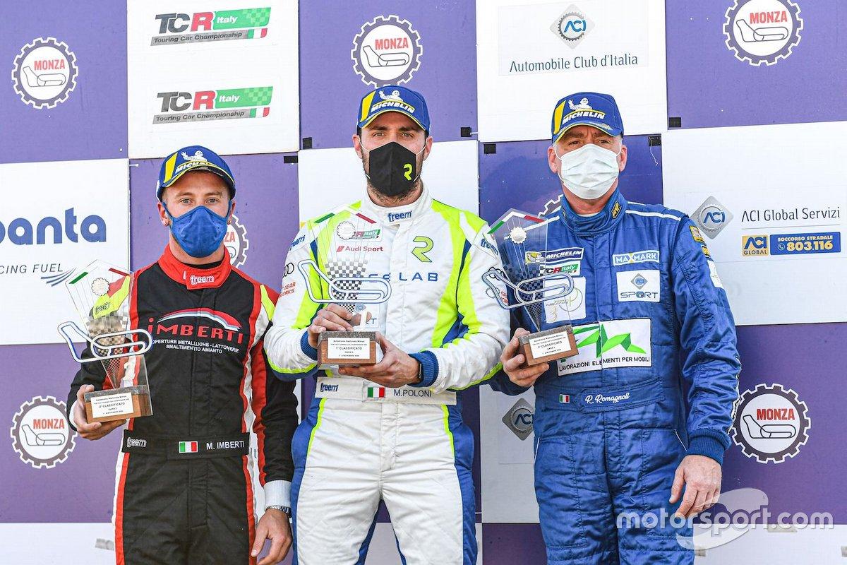 Il podio di Gara 2 del DSG: primo posto, Matteo Poloni, Race Lab, Audi RS 3 LMS TCR, secondo posto, Riccardo Romagnoli, Proteam Racing, Volkswagen Golf GTI DSG TCR Michele Imberti, Elite Motorsport, Cupra TCR