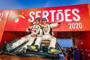 Dupla campeão nos Carros: Marcos Baumgart/Kleber Cincea