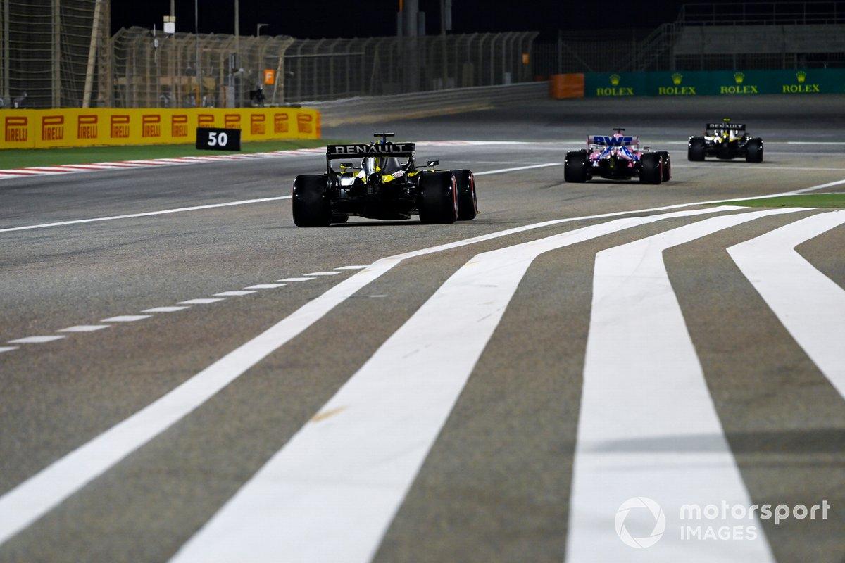Esteban Ocon, Renault F1 Team R.S.20, Sergio Pérez, Racing Point RP20, Daniel Ricciardo, Renault F1 Team R.S.20
